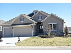 Property for sale at 5923 Lakecrest Drive, Shawnee,  Kansas 66218