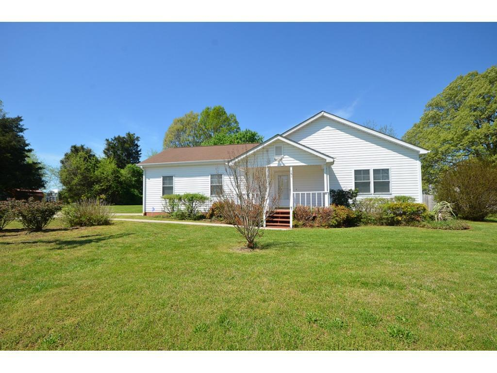 Photo of home for sale at 181 Hill W, Hillsborough NC