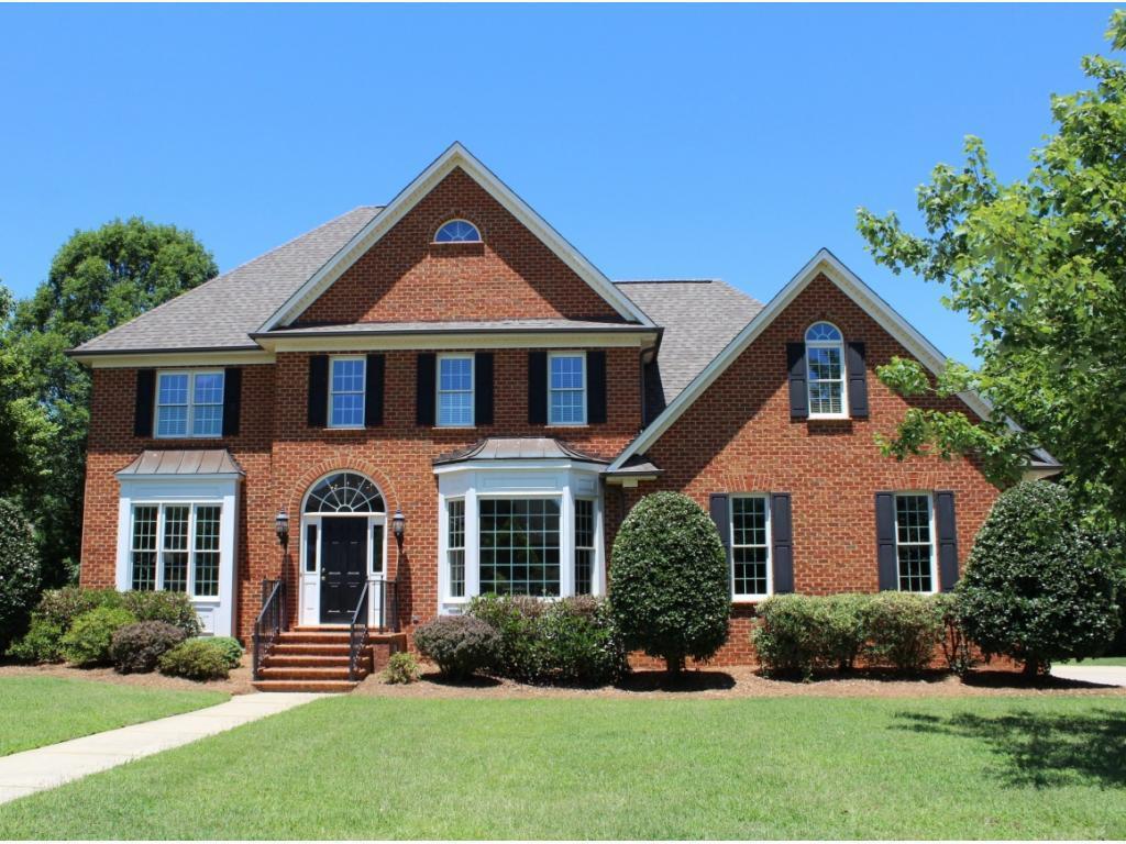 Photo of home for sale at 549 Meadowood Drive, Burlington NC