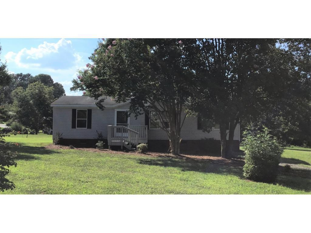 Photo of home for sale at 170 Green Pasture Lane, Ruffin NC