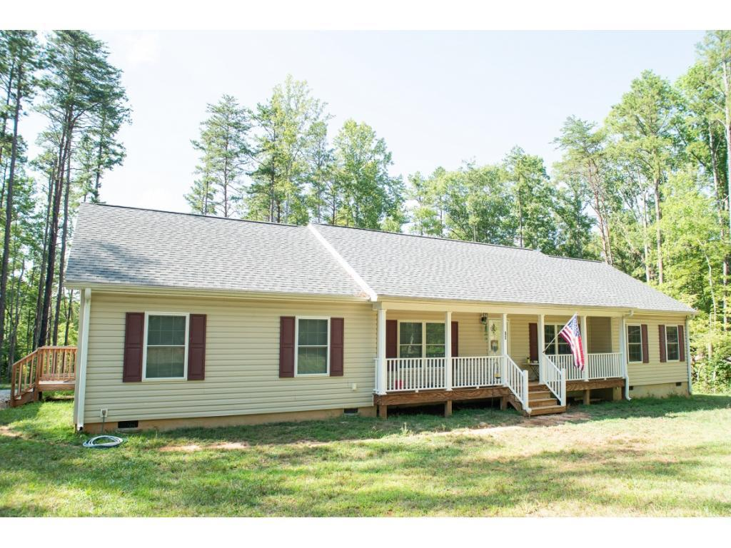 Photo of home for sale at 85 Jeff Poole Road, Roxboro NC