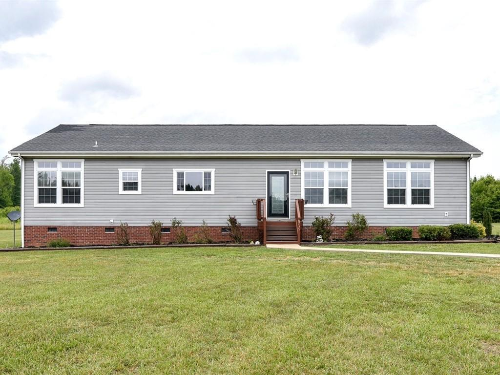 Photo of home for sale at 6735 Stoney Mountain Road, Burlington NC