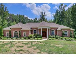 Photo of home for sale at 507 Poplar Ridge W, Greensboro NC