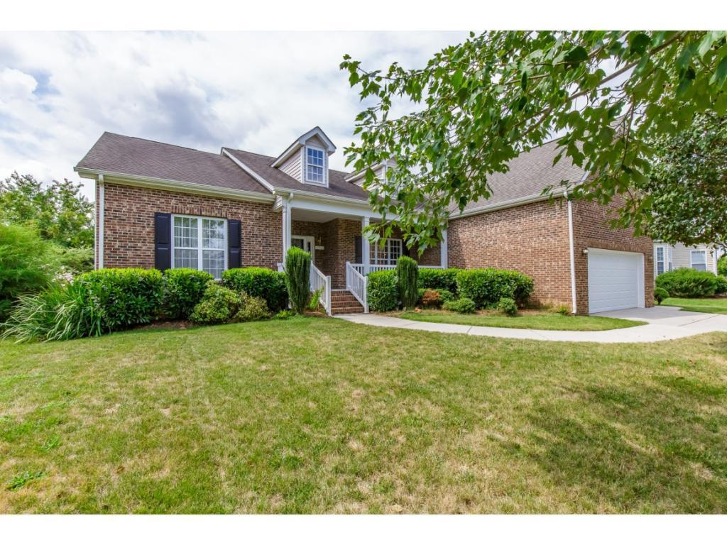 Photo of home for sale at 6902 Whirlaway E, Whitsett NC