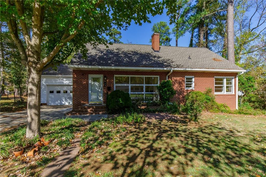 Photo of home for sale at 514 Mcgee Street, Graham NC