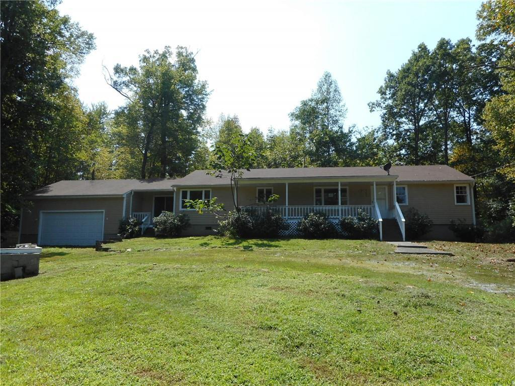 Photo of home for sale at 6201 Wild Horse Canyon Road, Snow Camp NC