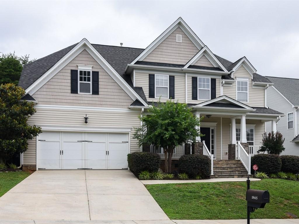 Photo of home for sale at 1865 Dunbar Place, Burlington NC