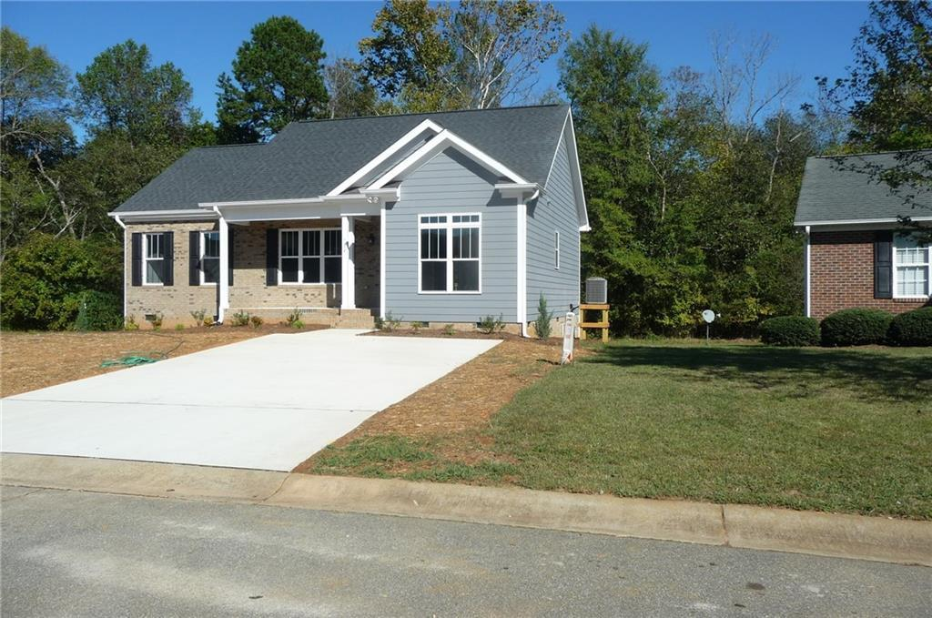 Photo of home for sale at 734 Aspenwood Drive, Graham NC