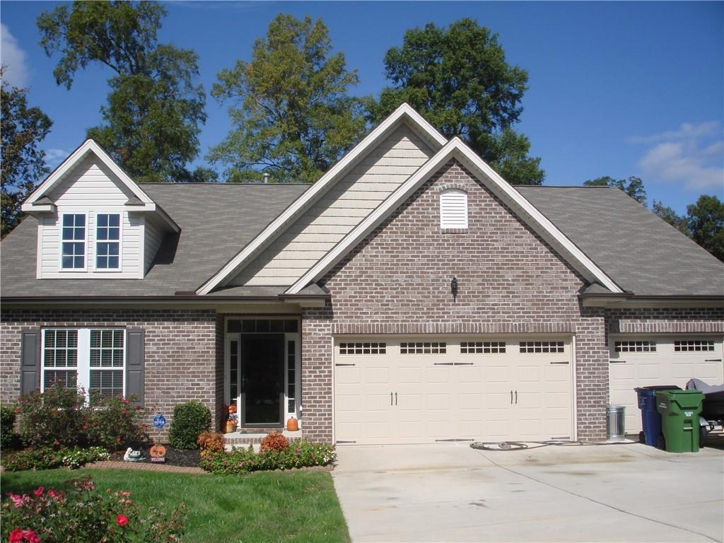 Photo of home for sale at 808 Carraway Drive, Graham NC