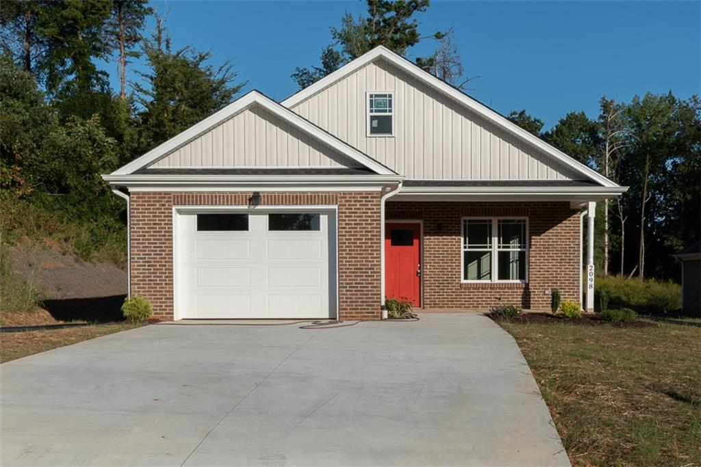 Photo of home for sale at 2098 Boyd Creek Drive, Graham NC