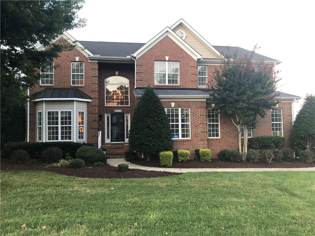 Photo of home for sale at 1101 Providence Place, Elon NC