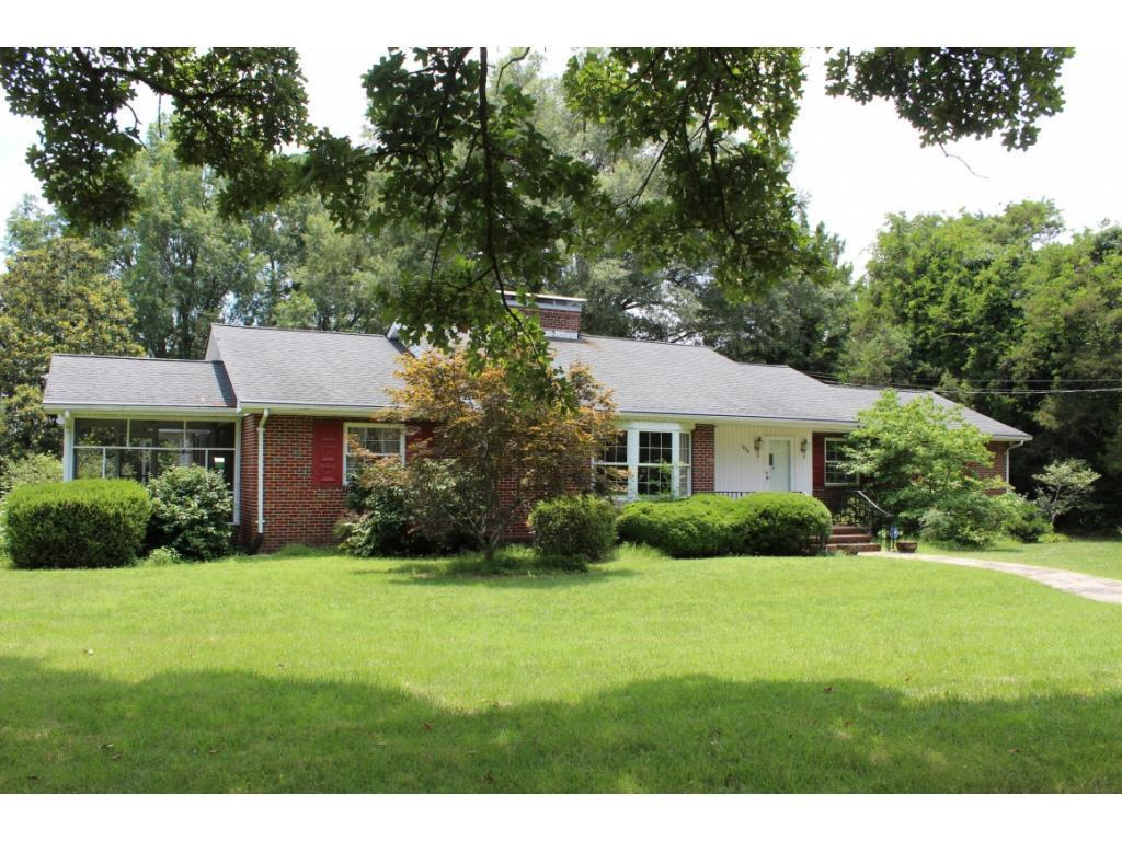 Photo of home for sale at 1804 Woodland Avenue, Burlington NC