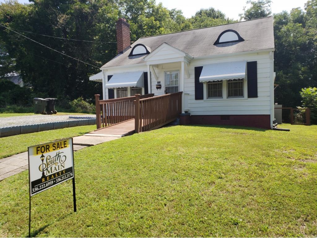Photo of home for sale at 606 Cameron Street, Burlington NC