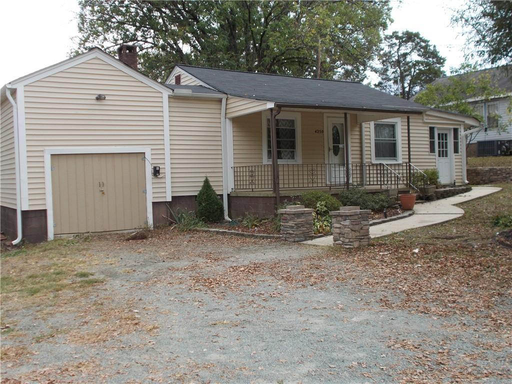 Photo of home for sale at 4250 NC 62 Highway S, Burlington NC