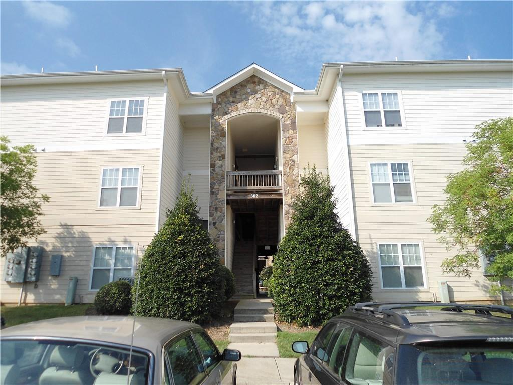 Photo of home for sale at 302, Unit 203 Campus Walk Trail, Elon NC