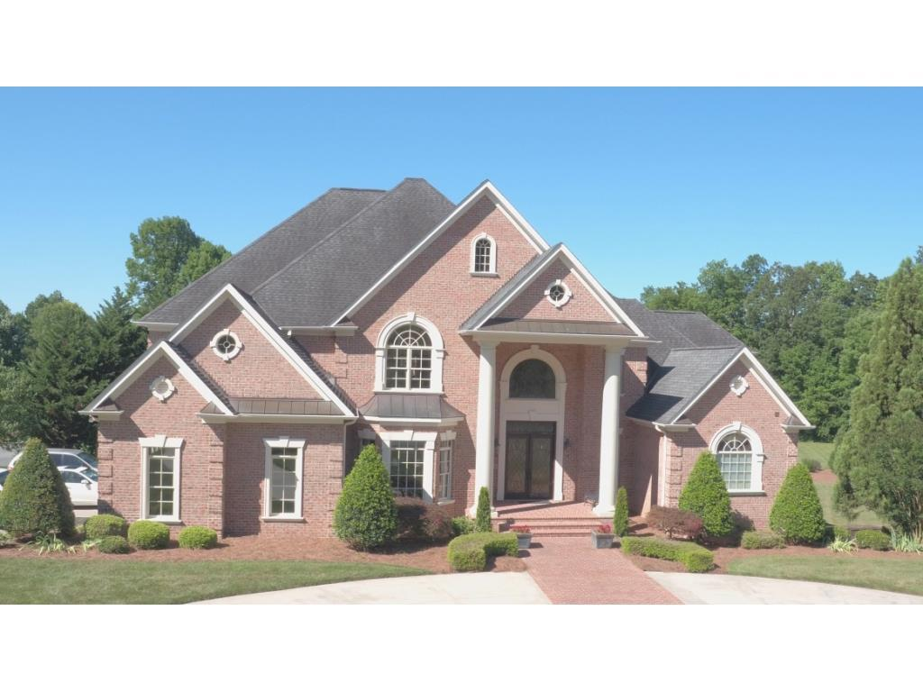 Photo of home for sale at 3310 Coventry, Burlington NC