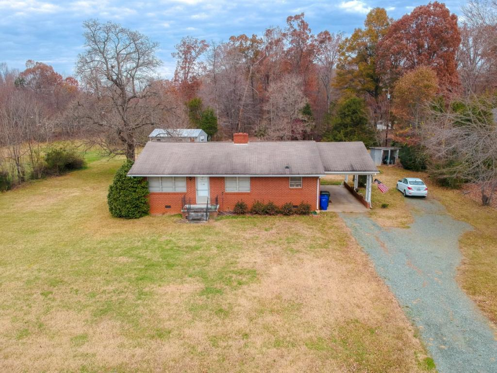Photo of home for sale at 1202 Fifth Street S, Mebane NC
