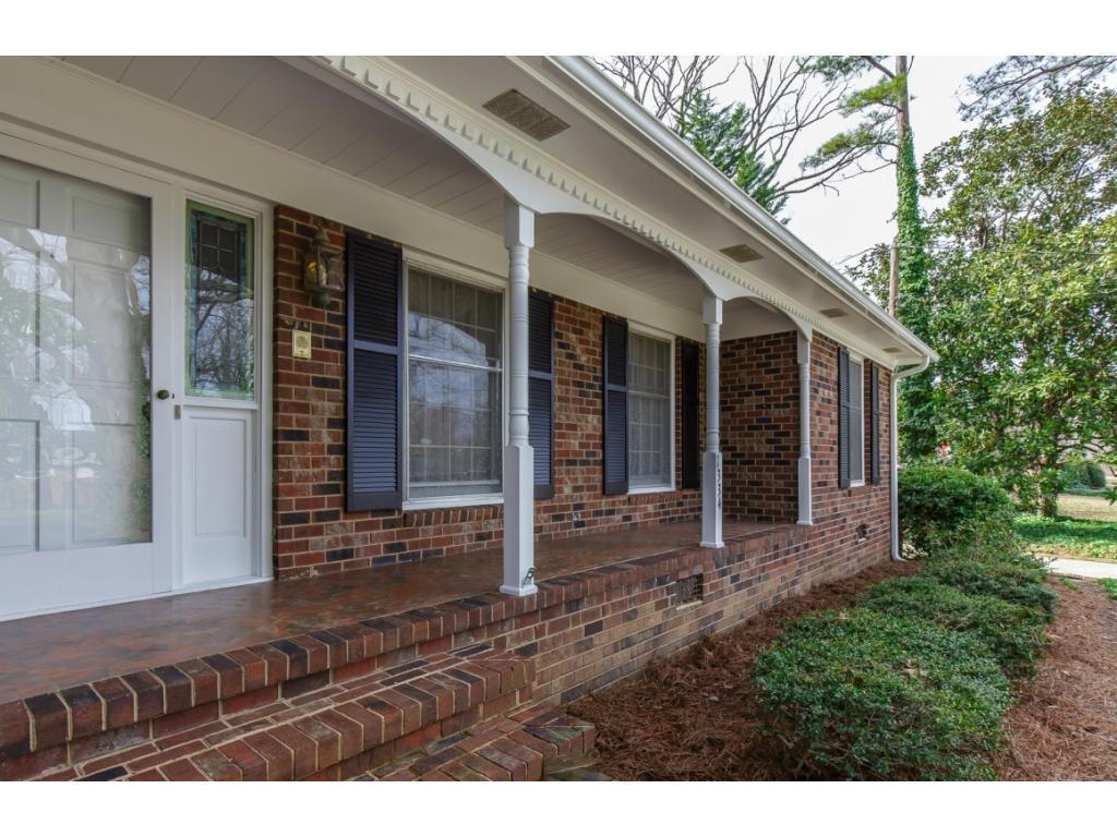 Photo of home for sale at 1334 Granville Street, Burlington NC