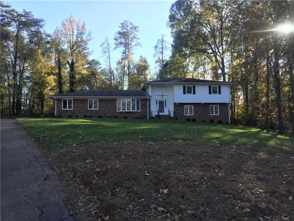 Photo of home for sale at 1521 Bentwood Drive, Graham NC