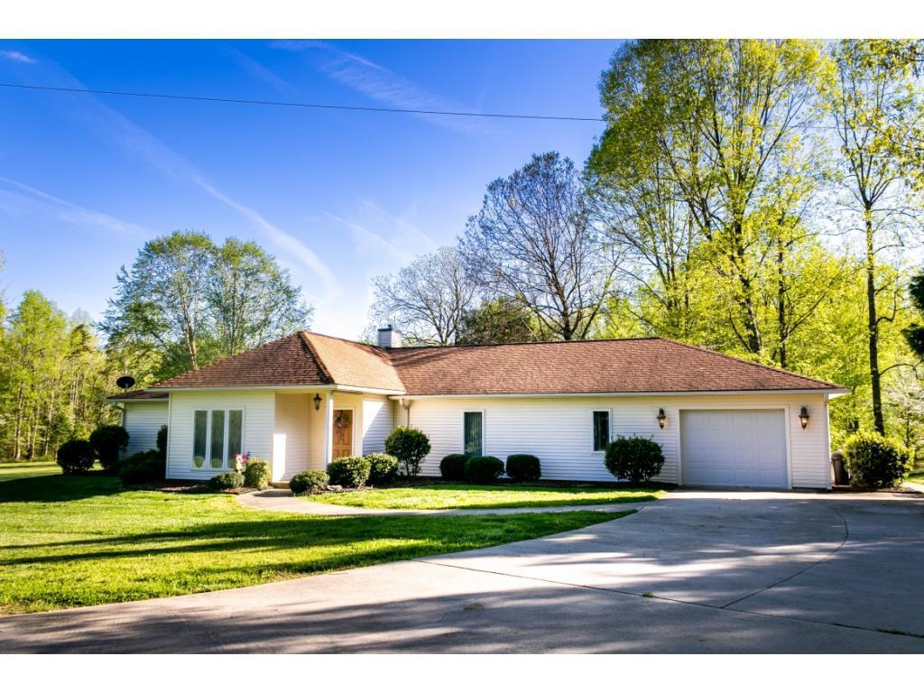 Photo of home for sale at 7587 Dutchman Lane, Gibsonville NC