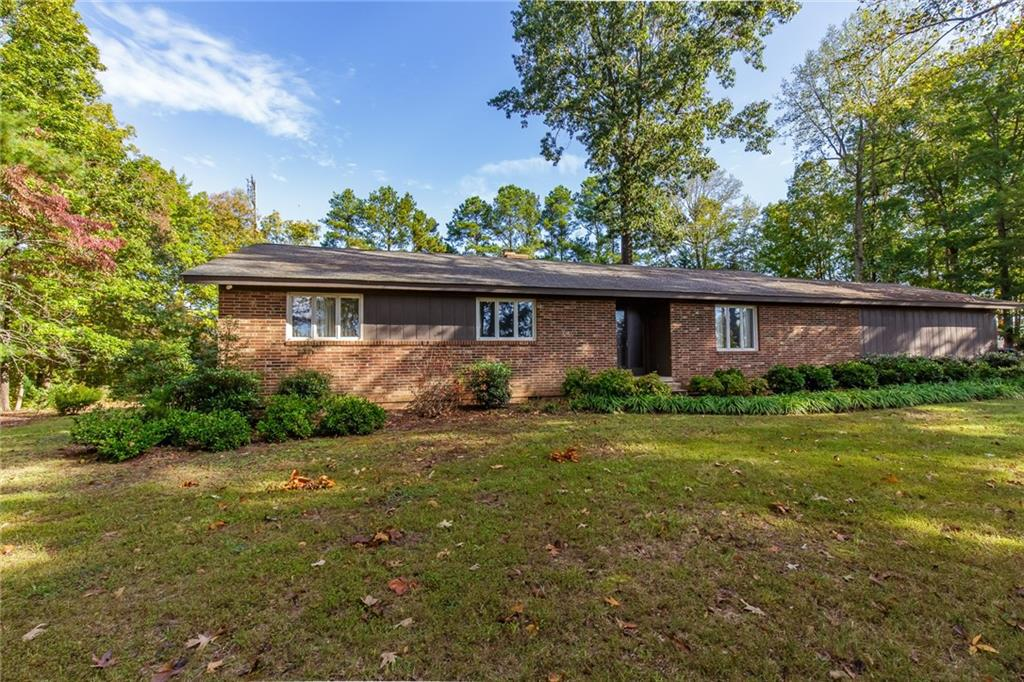 Photo of home for sale at 4183 Church Street S, Burlington NC