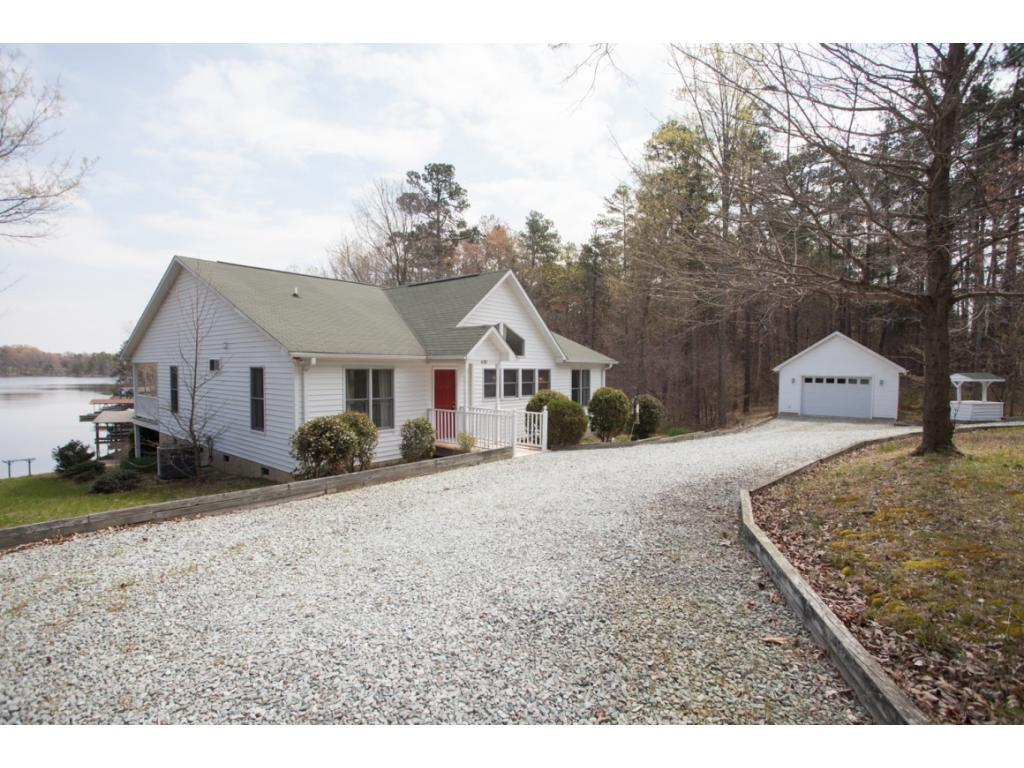 Photo of home for sale at 620 Shore Acres Drive, Semora NC