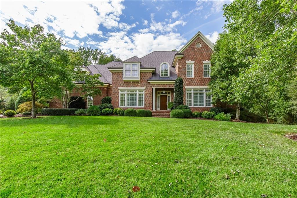 Photo of home for sale at 203 Benjamin Court, Burlington NC
