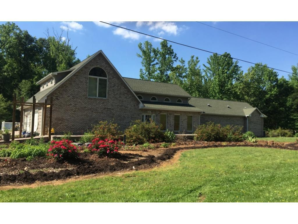 Photo of home for sale at 1346 Jim Minor Road N, Haw River NC