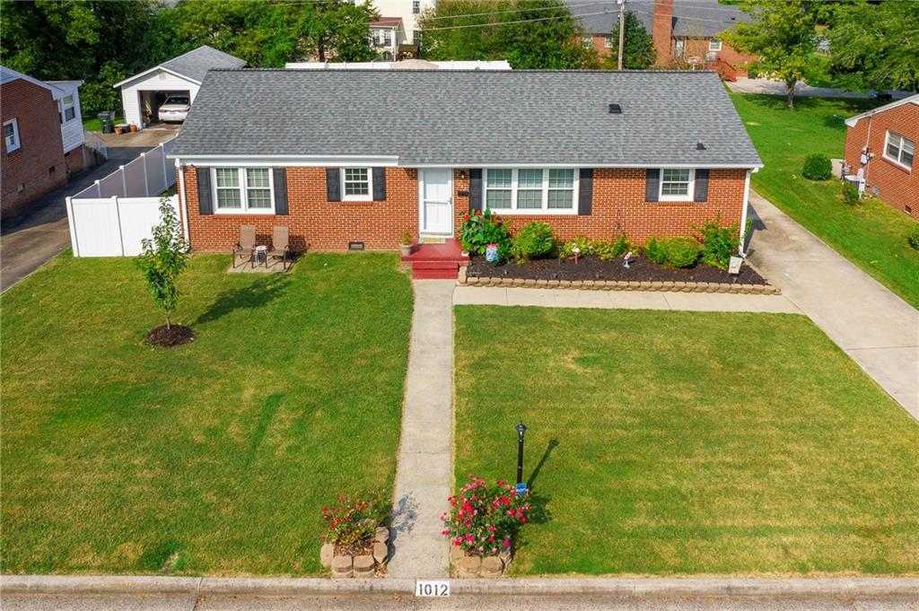 Photo of home for sale at 1012 Sherwood Drive, Burlington NC