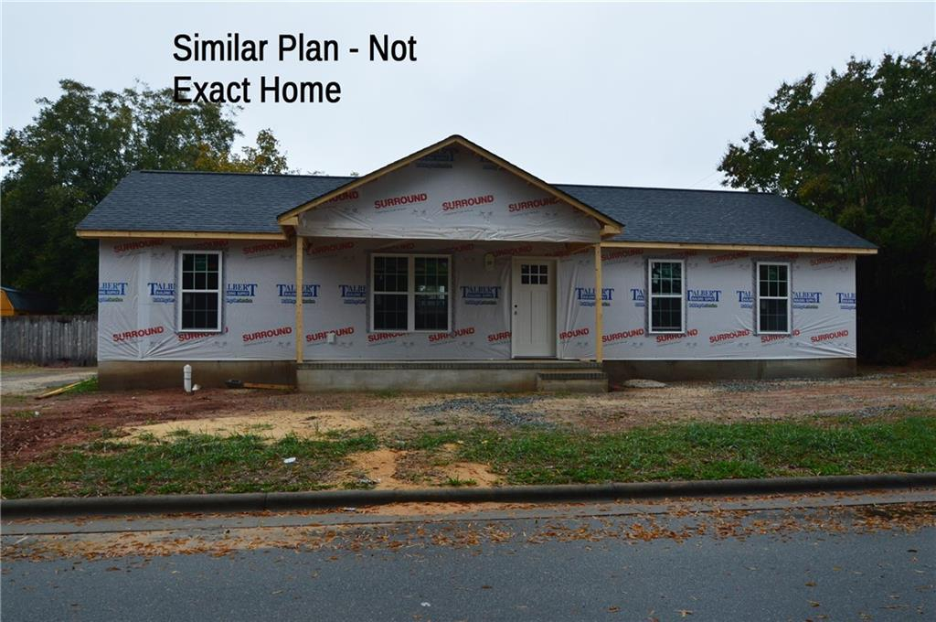 Photo of home for sale at 1107 Apple Street, Burlington NC