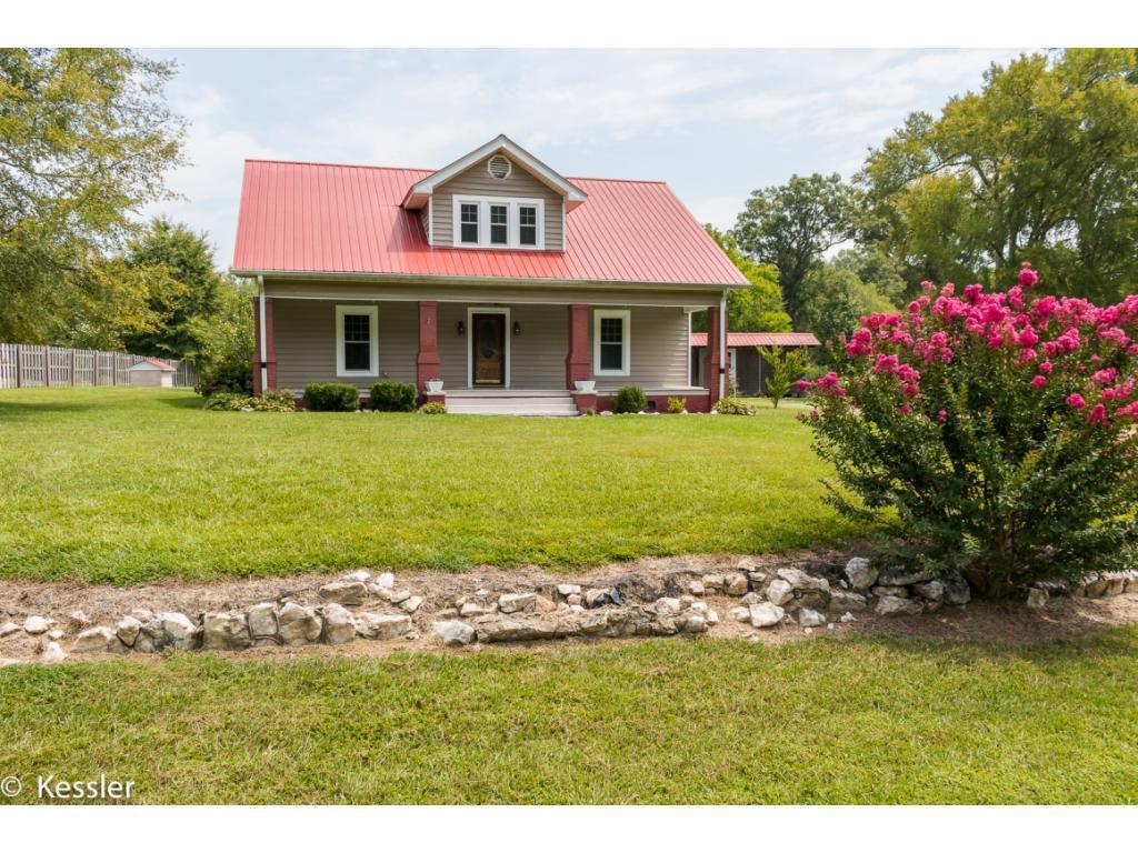 Photo of home for sale at 2519 Carolina Road, Burlington NC