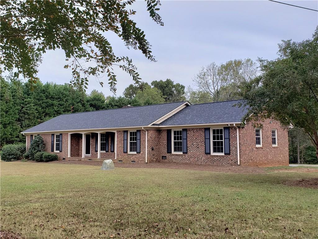 Photo of home for sale at 6860 Holts Store Road, Burlington NC