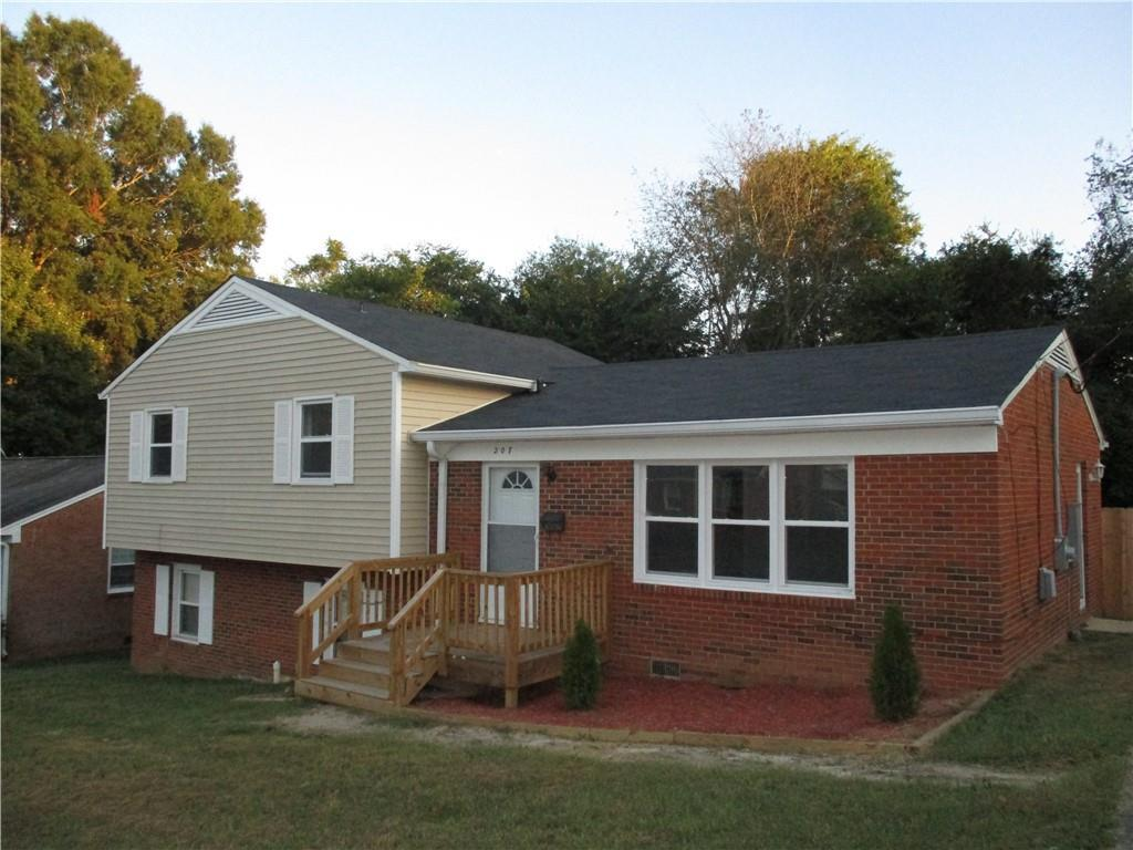 Photo of home for sale at 207 Eastway Lane, Graham NC