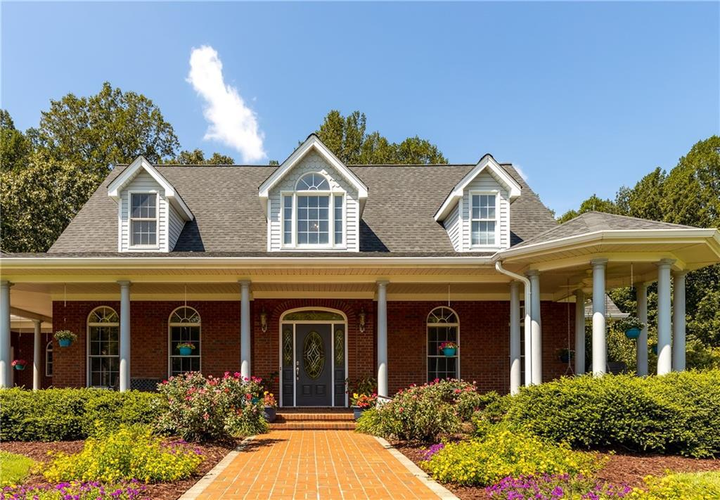 Photo of home for sale at 2637 Northstream Court, Haw River NC