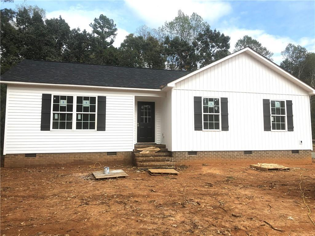Photo of home for sale at 4146 Swepsonville Saxaphaw Road, Graham NC