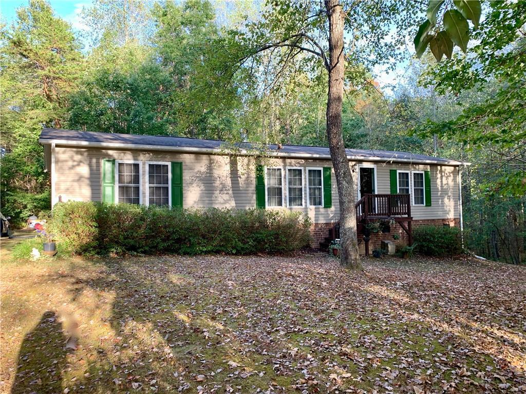 Photo of home for sale at 2658 Holly Brook Drive, Burlington NC