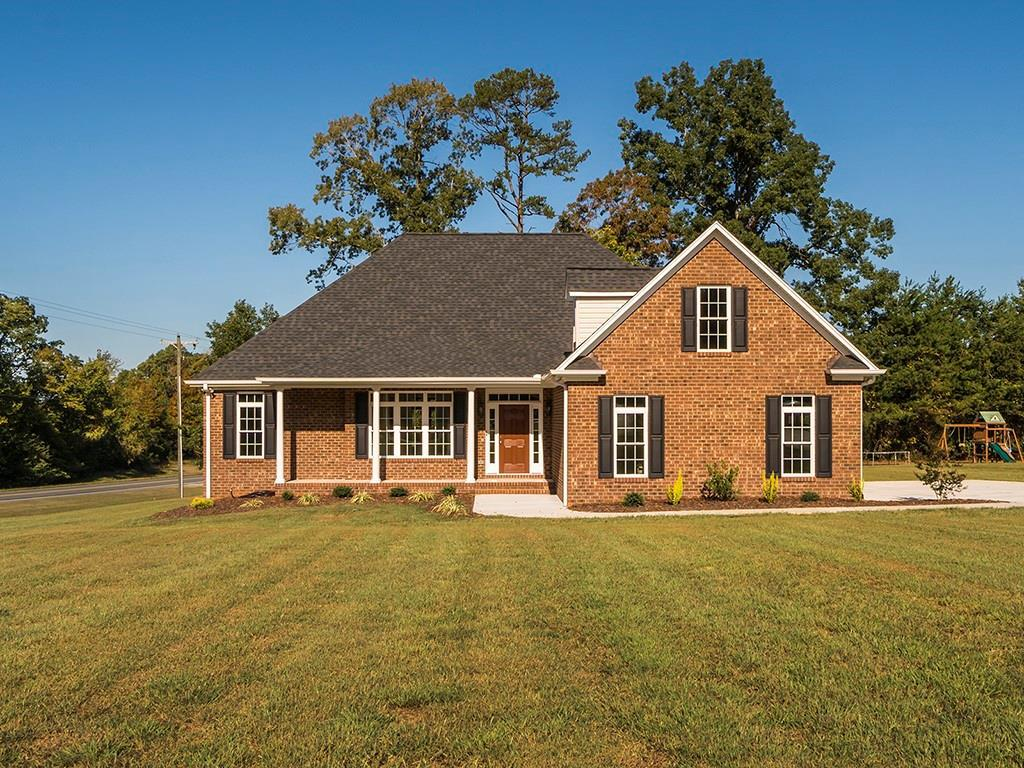 Photo of home for sale at 3097 Creek Point Road, Graham NC