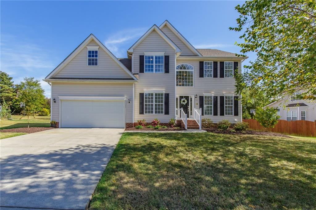 Photo of home for sale at 1309 Princeton Drive, Elon NC