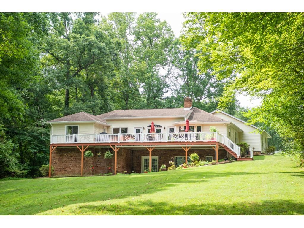 Photo of home for sale at 17 Estate Road, Semora NC