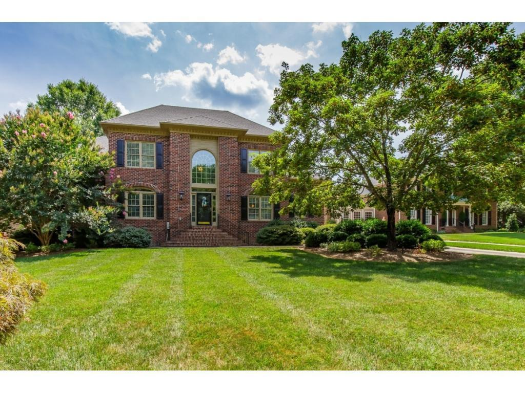 Photo of home for sale at 3310 Carriage, Burlington NC