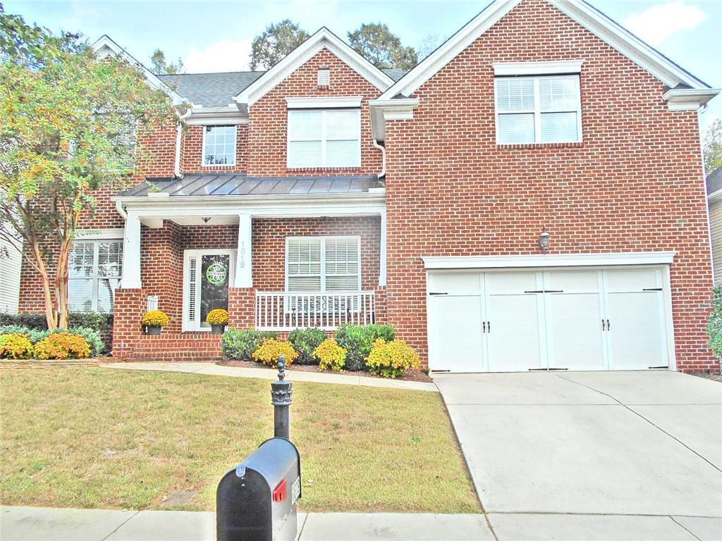 Photo of home for sale at 1819 Dunbar Place, Burlington NC