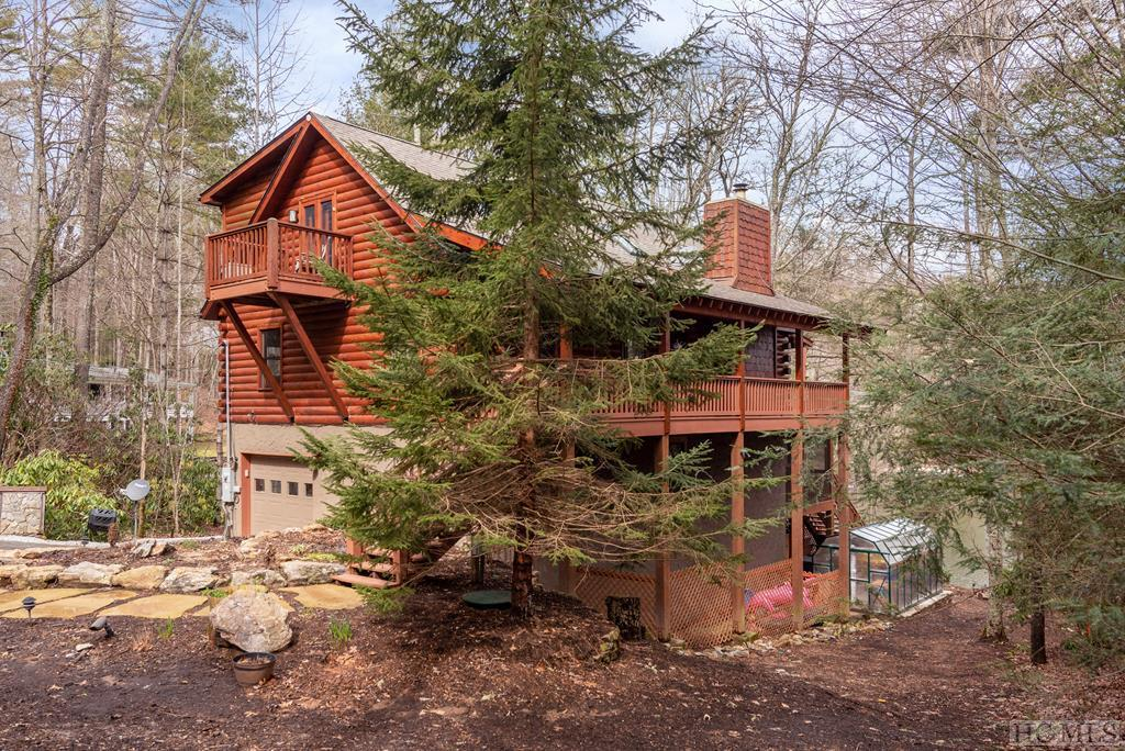 Photo of home for sale at 788 Glenshore Drive, Cullowhee NC
