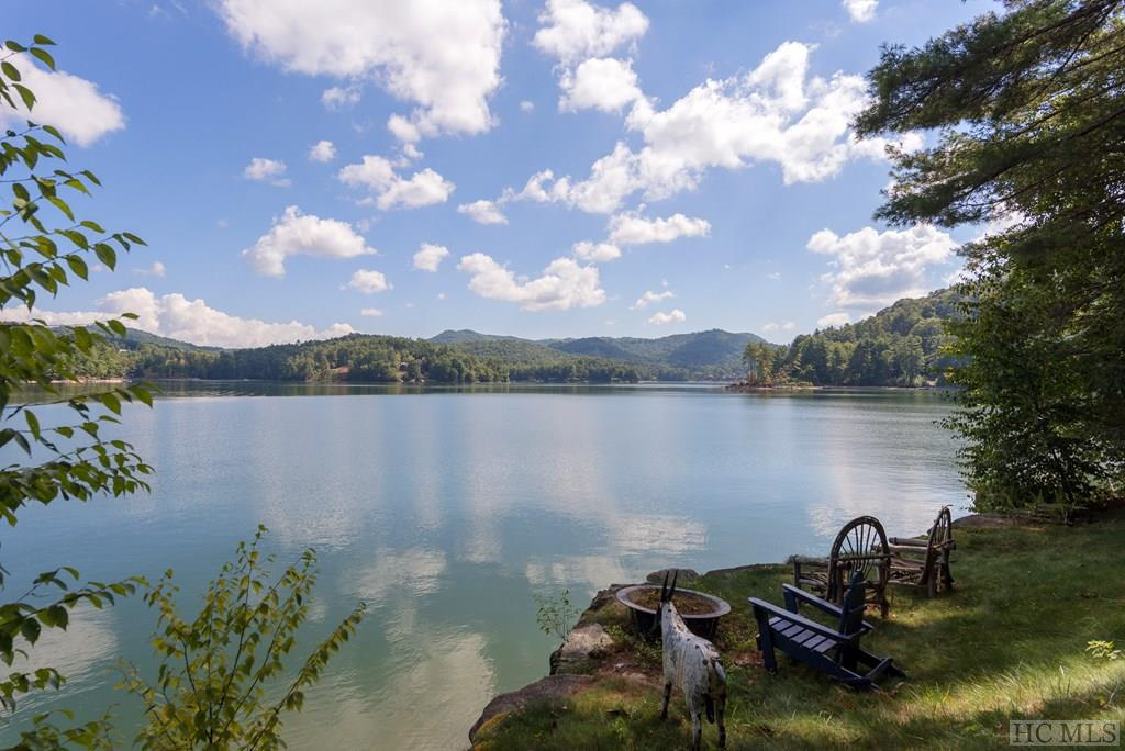 Photo of home for sale at 14 Old Cave Lane, Cullowhee NC
