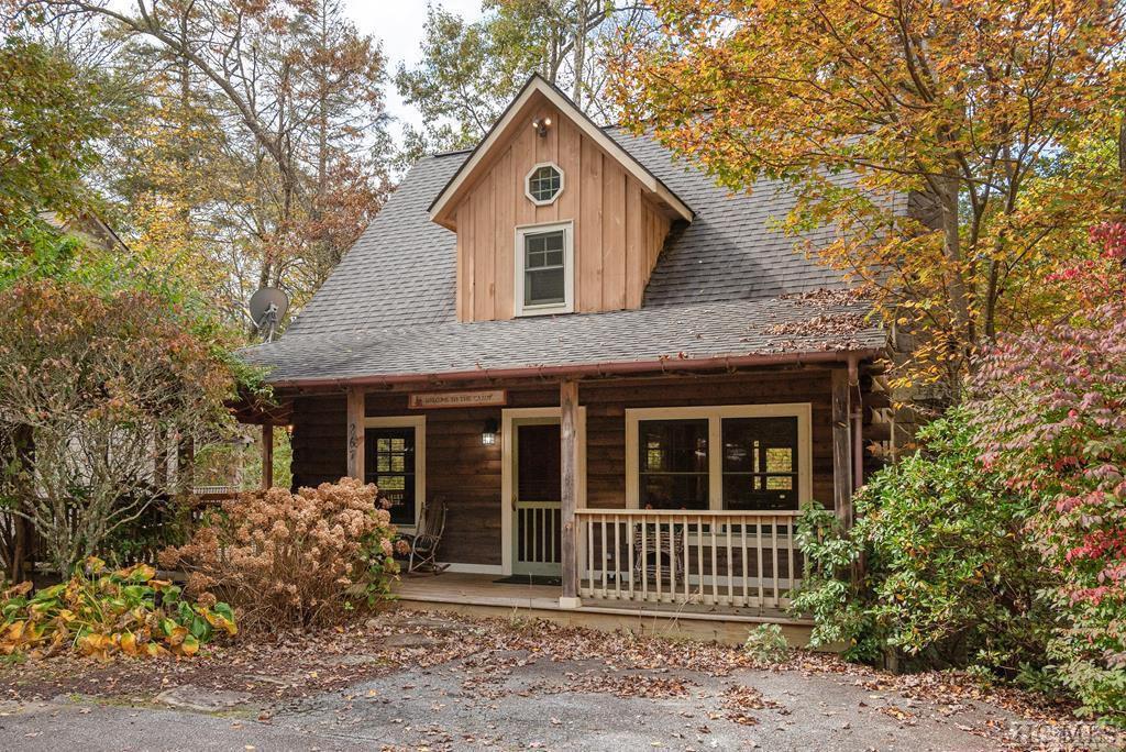 Photo of home for sale at 267 Catesby Trail, Cashiers NC