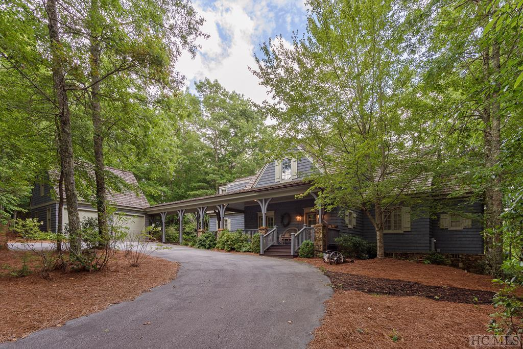 Photo of home for sale at 74 Wildberry Lane, Cullowhee NC