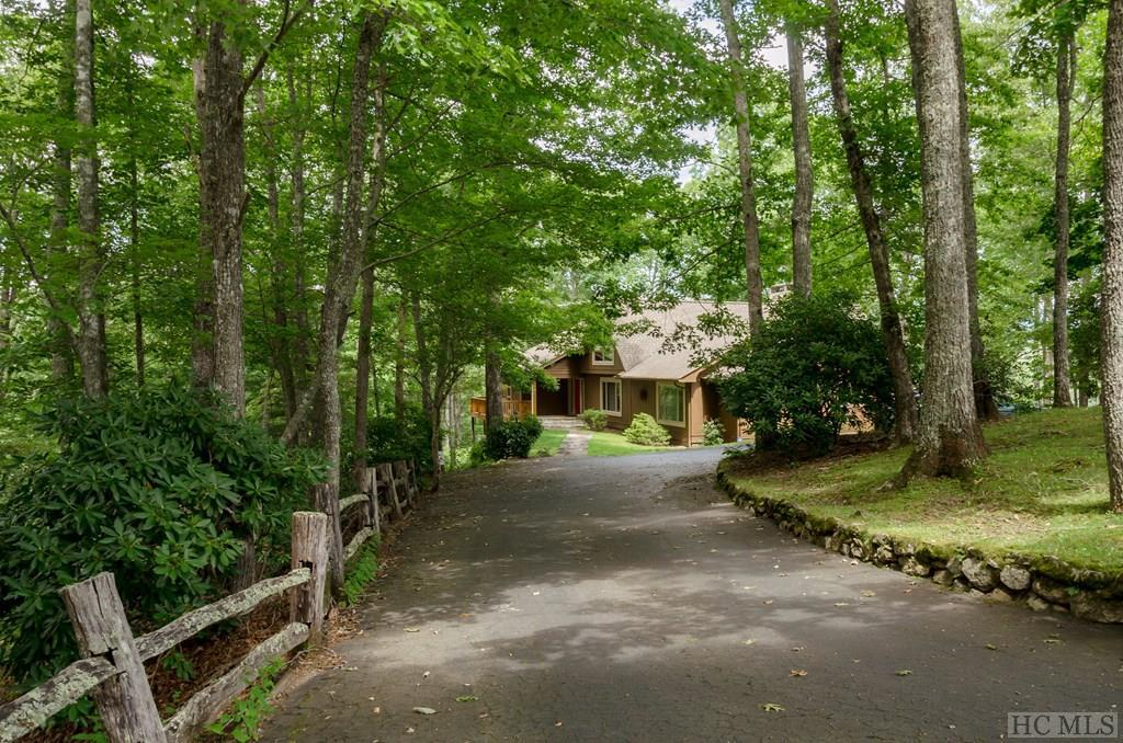 Photo of home for sale at 255 London Knob Road, Cullowhee NC