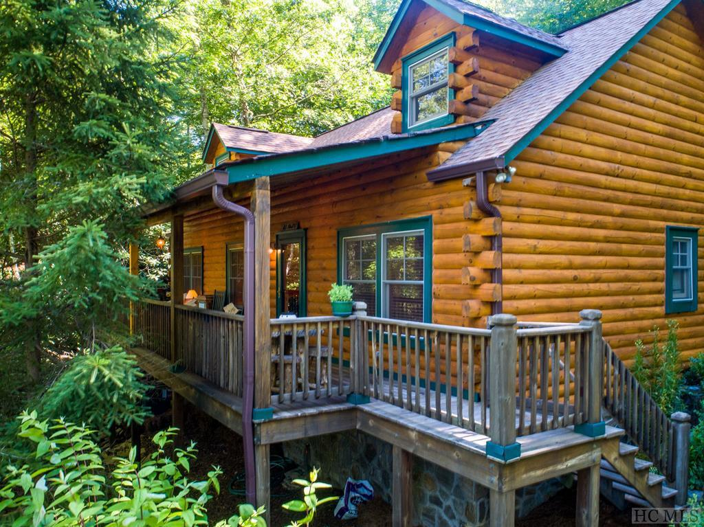 Photo of home for sale at 126 Winsome Way, Cashiers NC