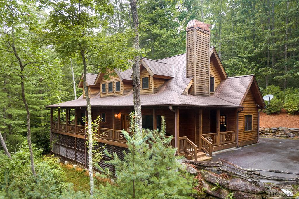 Photo of home for sale at 800 Buckberry Drive North, Sapphire NC