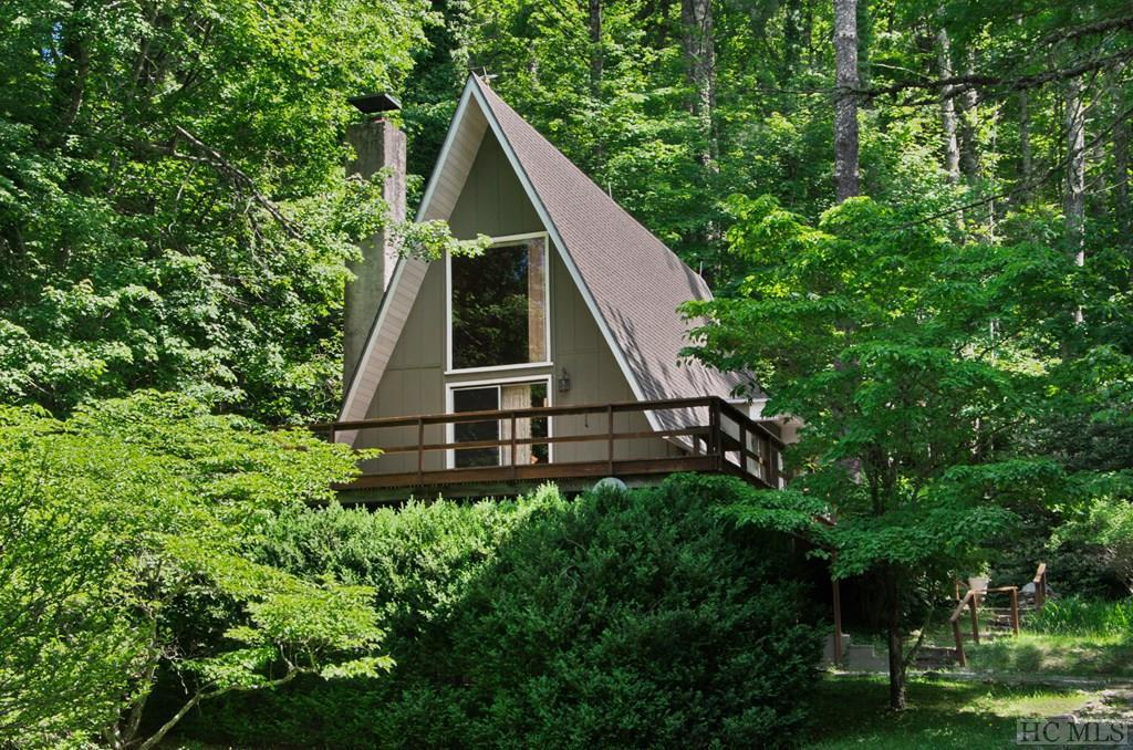 Photo of home for sale at 75 Fringe Tree Drive, Glenville NC