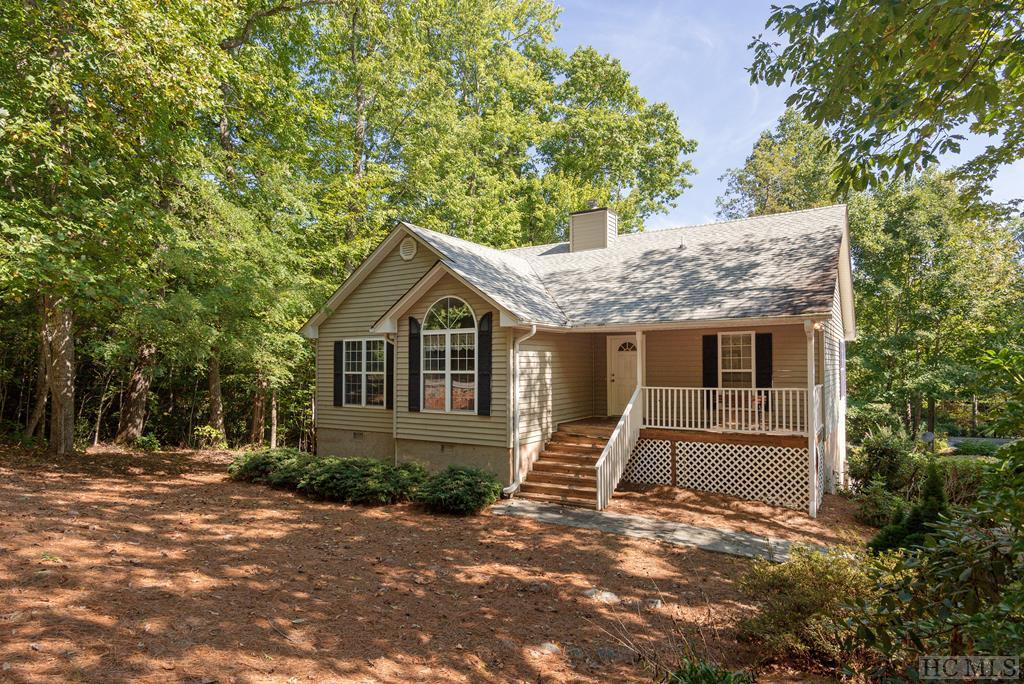 Photo of home for sale at 21 Birdnest Road, Sapphire NC